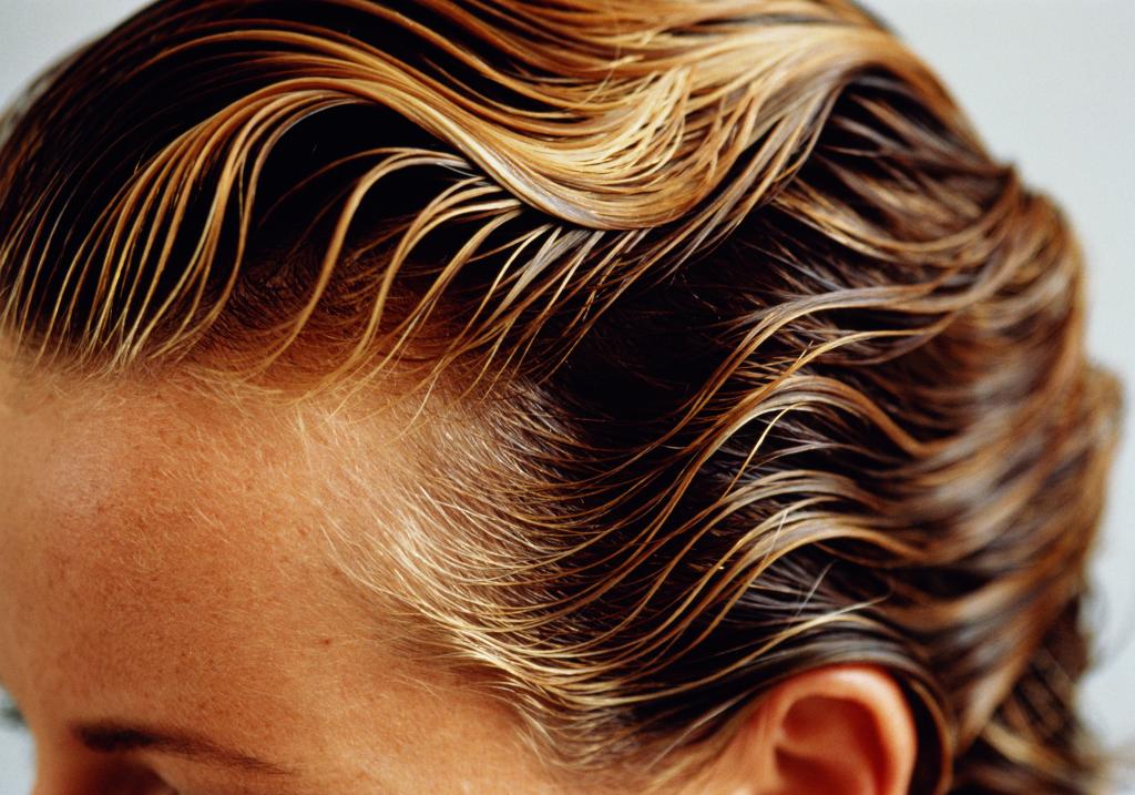 Come asciugare i capelli mossi