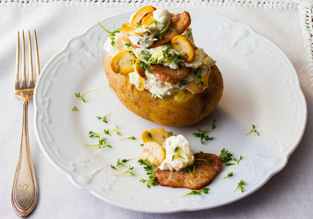 Patate fondenti con pollo e funghi